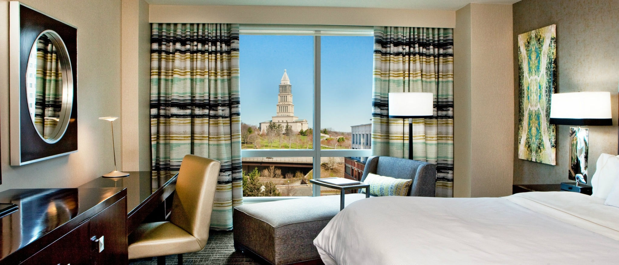 The Westin Alexandria - Renovated king guest room with a view